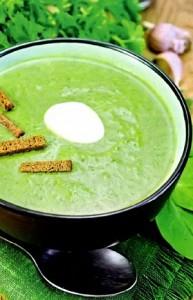 суп-пюре с щавелем и шпинатом