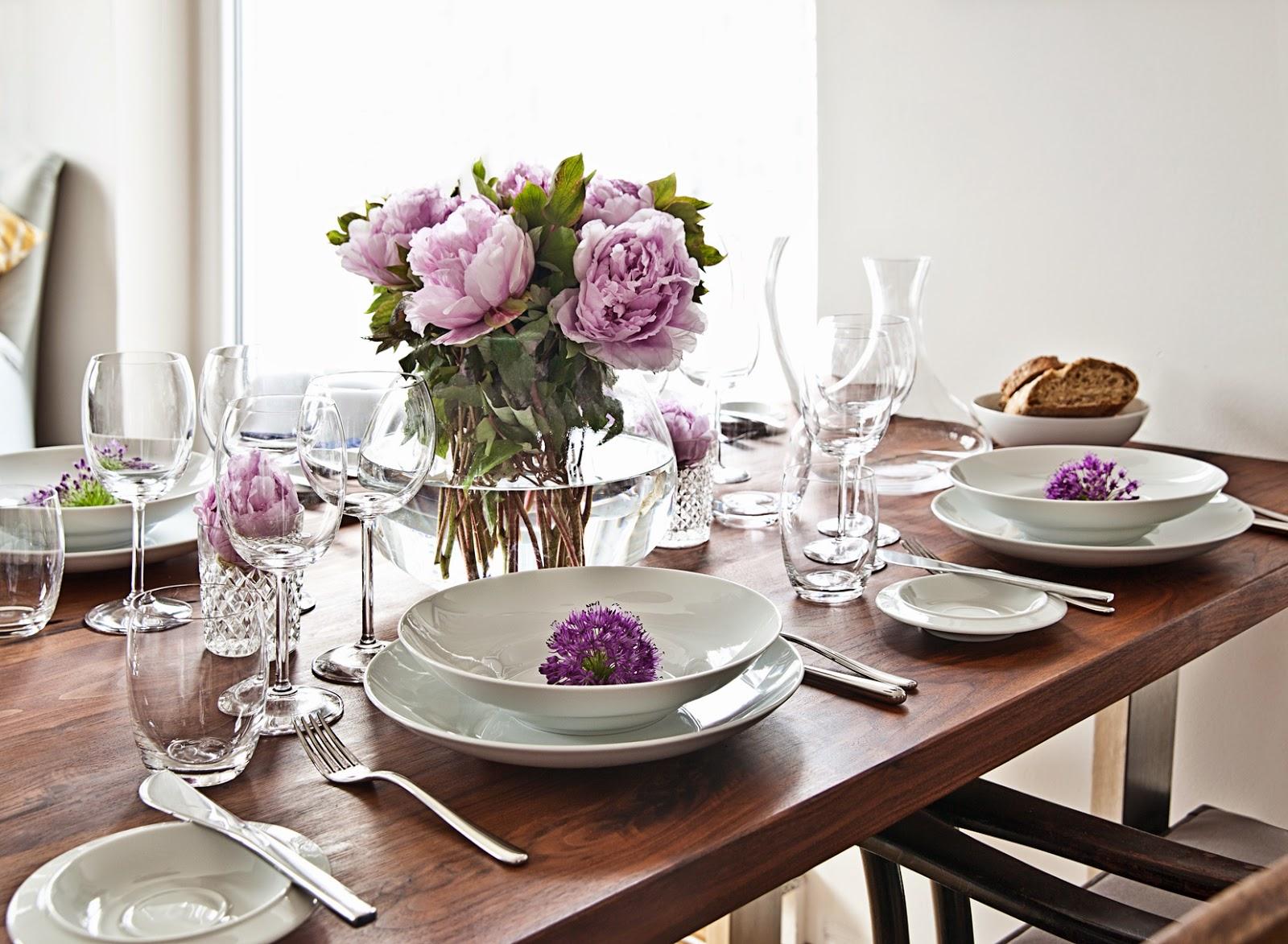 Как украсить обеденный стол на кухне