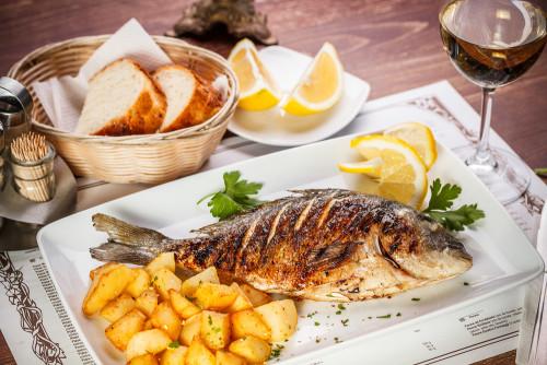 ryiba-v-restorane