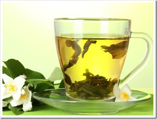 Подготовка чайника для заварки чая