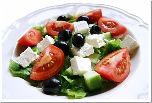 Подача греческого салата