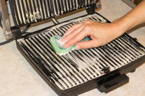 Как чистить контактный гриль